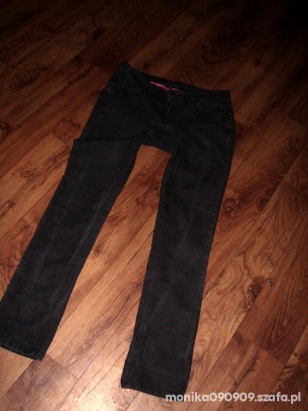 Spodnie Rurki rozm 44