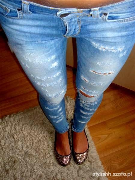 Spodnie BERSHKA jeansy rurki SKINNY vintage DZIURY XXS