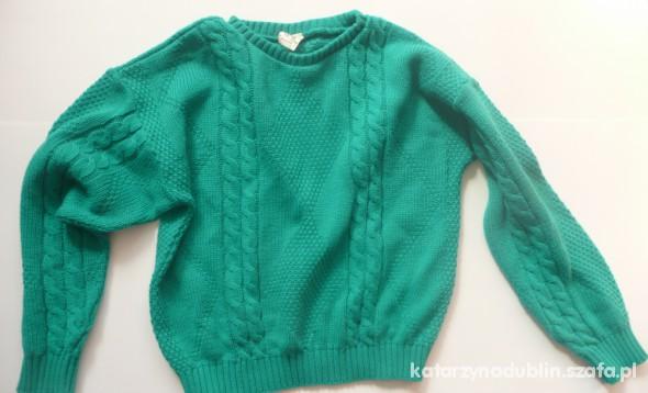 zielony sweter warkocz