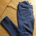 niebieskie rurki H&M