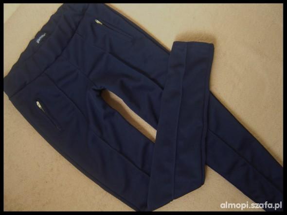 Spodnie GLAMOUR śliczne rurki rozm S