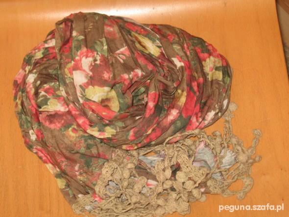 Chusty i apaszki chusta idealna na jesień