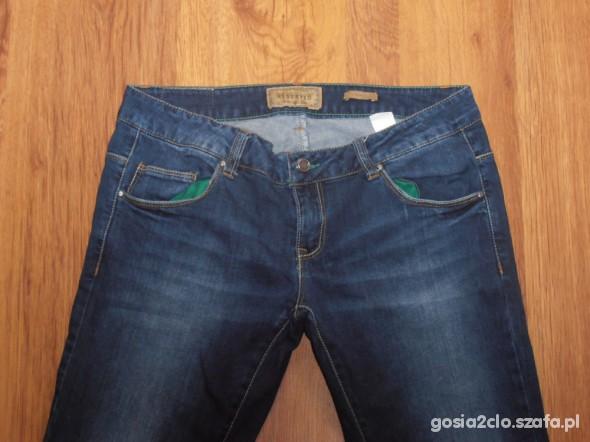 Spodnie Reserved kolekcja jesień zima jeansy polecam W31