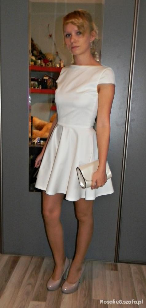 Wieczorowe Biała sukienka bez pleców