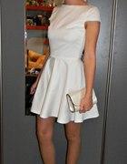 Biała sukienka bez pleców
