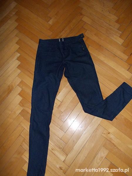 Spodnie Długie Treginsy spodnie jeansowe ASOS