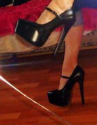 Nowiutkie high heels TRUFFLE platformy...