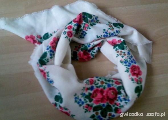 Chusty i apaszki chusta floral