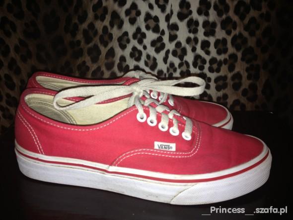 Czerwone Vansy