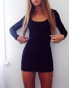 czarna dopasowana tuniko sukienka