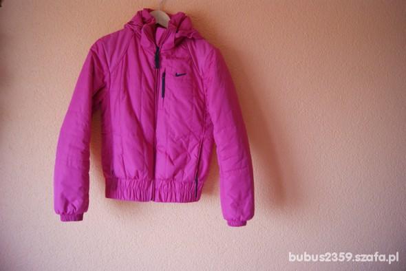 różowa kurtka nike