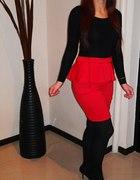 Czerwona spódniczka z baskinką