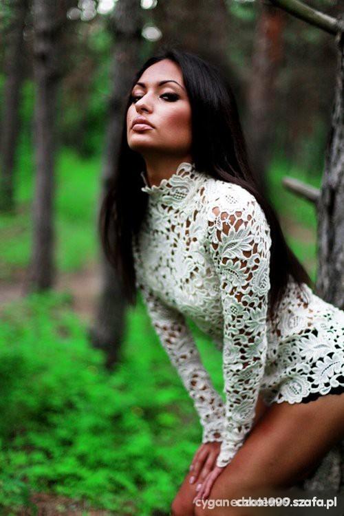 Koronkowa biala bluzka
