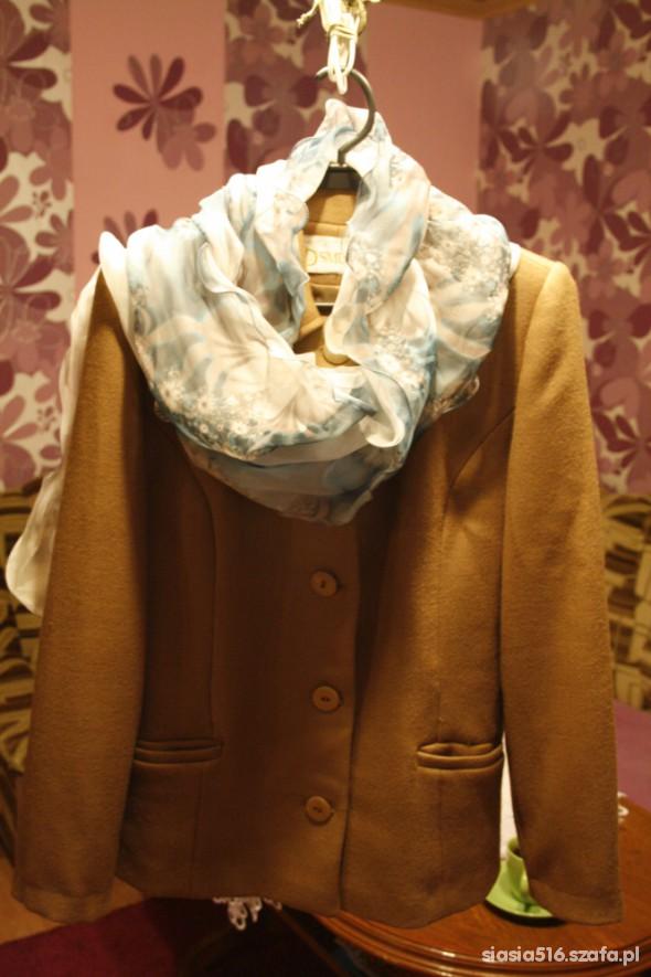 Chusty i apaszki piękny szalik