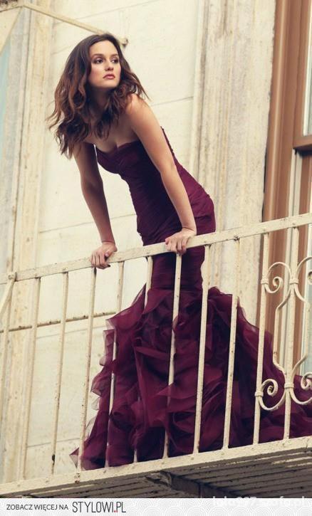 Wieczorowe śliczna sukienka