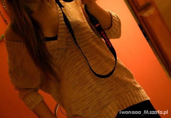 Mój styl Miodowo złoty asymetryczny sweterek