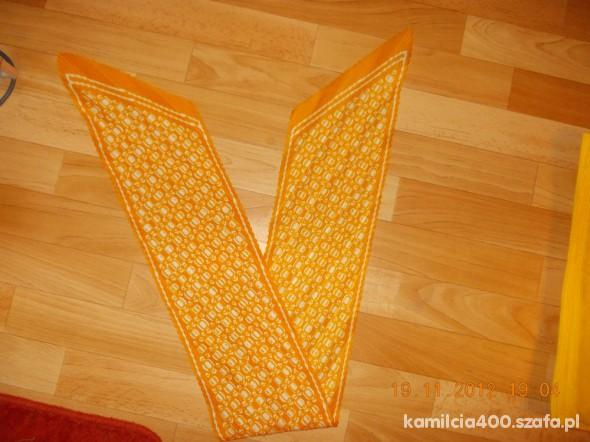 Chusty i apaszki apaszka pomarańczowa plisowana cienka