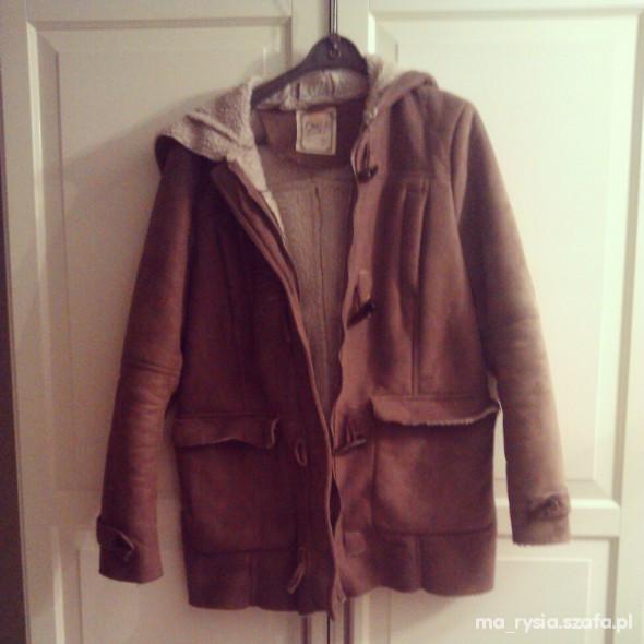 kurtka płaszcz kurteczka pull bear zara h&m nude