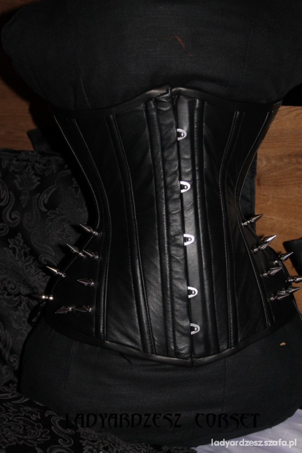 corset Brads