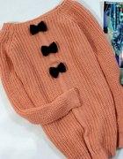 morelowy sweterek z kokardkami