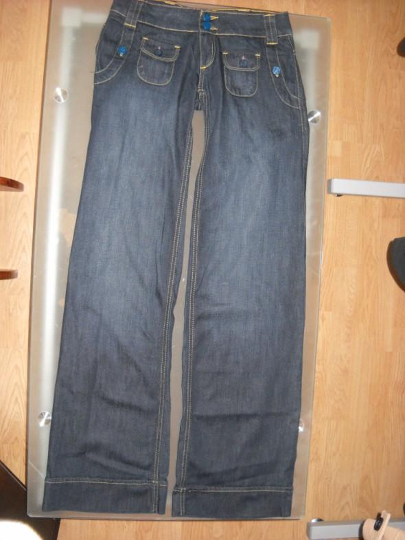 Spodnie szwedy Bershka roz 34 jeans...
