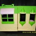 Mały rozkładany domek