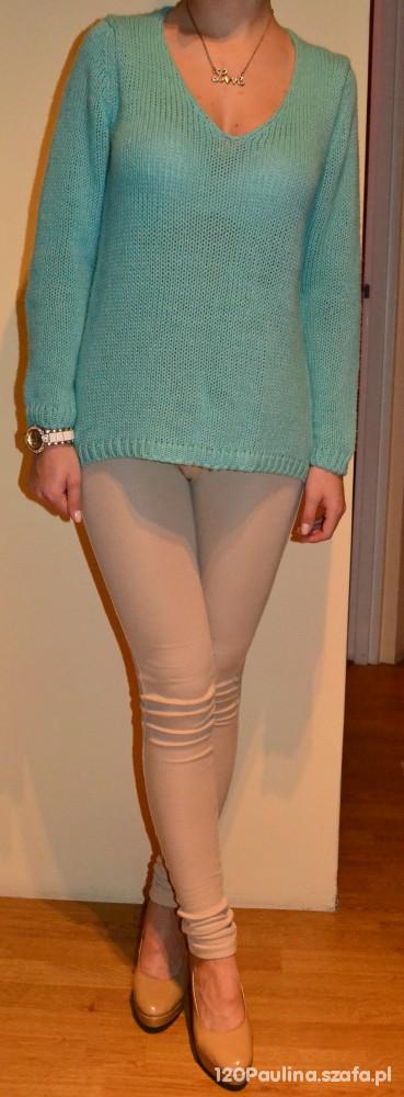 Mietowy sweterek...