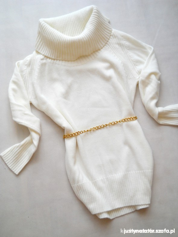 cudowny biały sweterek mega