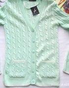 Miętowy sweterek