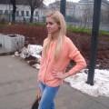 pomaranczowy sweter