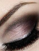 Makijaż i rzęsy przedłużane metodą 21
