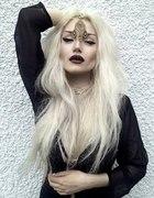 białe włosy piękne kobiety
