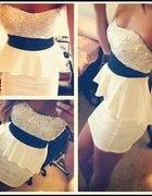 sukienka z pięknym gorsetem