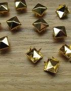 Złote ĆWIEKI PIRAMIDKI 8mm gold