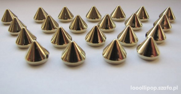 Pozostałe złote stożki do przyszywania 50szt 7mm