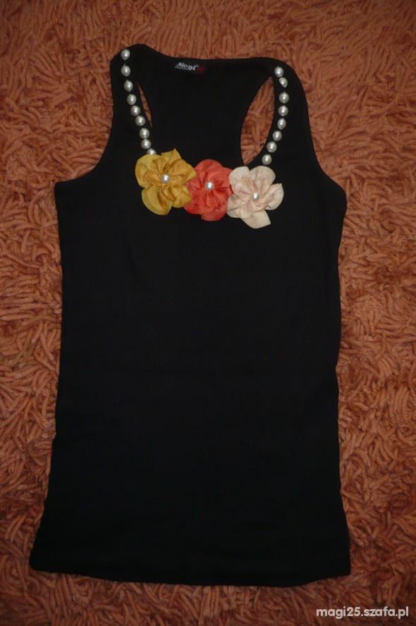 czarna bokserka kwiatki