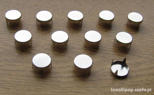 Pozostałe ćwieki okrągłe 8mm pukle srebrne