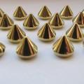 złote stożki do przyszywania 50szt 7mm