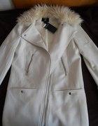 Nowy biały płaszcz zimowy