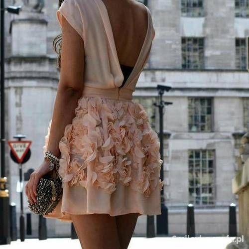 7ac17d2a8d piekna sukienka w kwiaty pastelowy róż w Ubrania - Szafa.pl