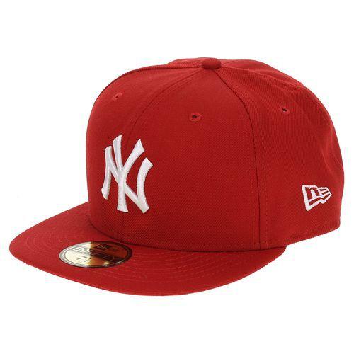 czapka z daszkiem New Era...