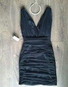Mała czarna sukienka dekolt V hollywoodzki XS