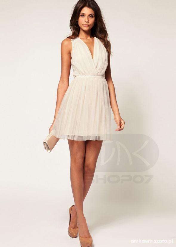 sukienka beż biel z dekoltem 36