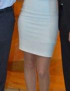 Sukienka ecru biała