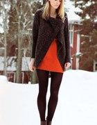 Pomarańczowa spódniczka