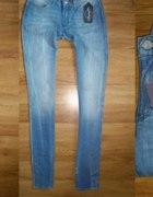 nowe z metką jeansy WRANGLER COURTNEY