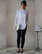 W białej koszuli