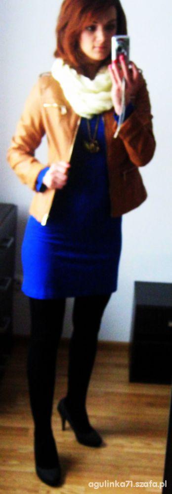 Mój styl brąz z niebieską sukienką