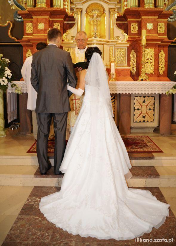 Suknie ślubne Suknia Demetrios dla drobnej