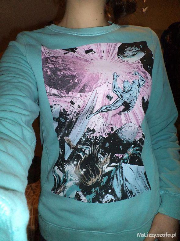 Miętowa bluza z komiksowym nadrukiem